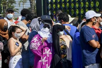 En Tunisie, ruée sur les vaccins contre la COVID-19)