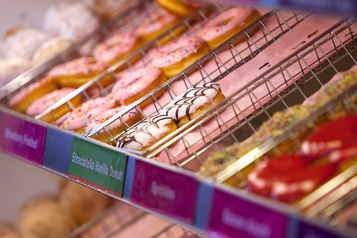 Dunkin' Brands, en passe de se vendre, bondit à Wall Street)