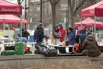 Des centres de jour pour les sans-abri à Montréal