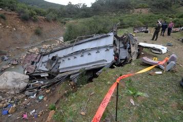 Un autocar tombe dans un ravin en Tunisie: au moins 26morts