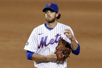 Les BlueJays obtiennent le lanceur Steven Matz des Mets)