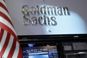 COVID-19 Goldman Sachs oblige ses employés à dire s'ils sont vaccinés ou pas)