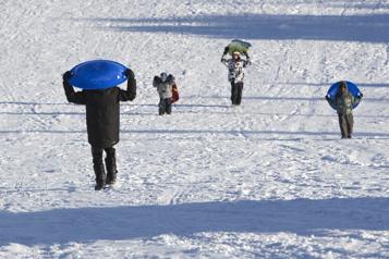 Activités libres non encadrées La glissade permise dans les parcs montréalais)