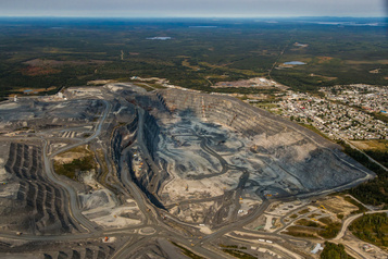 Les villes minières du Québec menacées de perdre des millions)