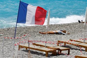 COVID-19 La France se prépare à une réouverture partielle )