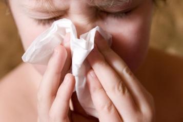 Bébés et jeunes enfants Des experts s'attendent à une circulation hâtive de virus respiratoires cet été)