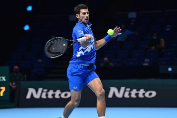 Finales de l'ATP Djokovic écarte Zverev et passe en demi-finale)