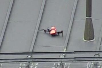 Un drone s'échoue sur le toit de la prison de Bordeaux)
