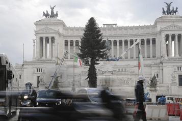 COVID-19 Nombre record de 993morts en 24heures en Italie)