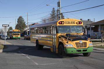 Autobus: deux enfants par banquette, le masque obligatoire au secondaire)