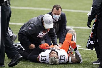 Browns de Cleveland Odell Beckham s'est déchiré un ligament, sa saison est terminée)
