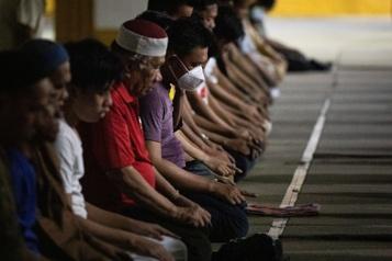 Le ramadan débute sur fond de pandémie)