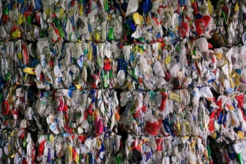 La Malaisie renvoie 11conteneurs de déchets en plastique au Canada