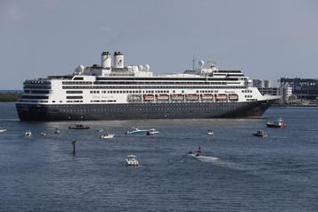 Les passagers du Zaandam et du Rotterdam débarquent en Floride