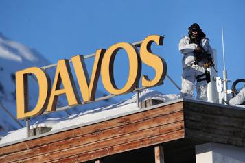 Davos: des participants financent les énergies fossiles, dénonce Greenpeace