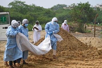 Le bilan de la pandémie dans le monde: plus de 534306 morts)