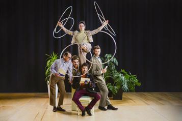 Montréal Complètement Cirque Une programmation payante 100% québécoise)