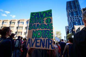 Marche pour le climat Il est temps de sortir de notre isolement)
