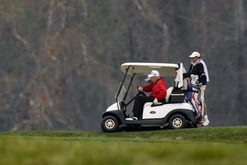 Trump fait une courte apparition au G20, pour ensuite aller jouer au golf)