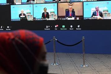 Donald Trump a participé au sommet de l'APEC)