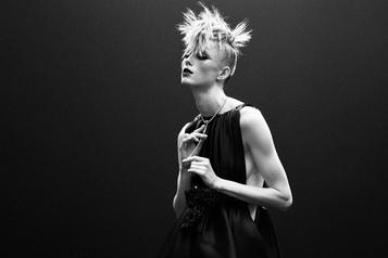 Chanelprésente une princesse punk haute couture)