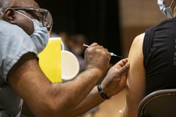 Vaccination Vers l'atteinte du seuil de 75% au Québec)