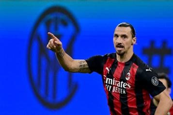 Ibrahimovic signe une prolongation d'un an à Milan)