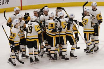 Les Penguins accèdent aux séries)