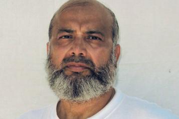 Jamais accusés Les États-Unis vont libérer trois détenus de Guantanamo)