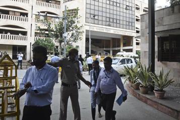 Inde Trois morts lors d'une fusillade dans un tribunal de NewDelhi )