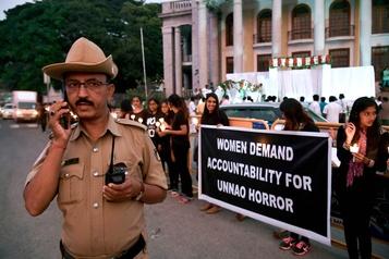 Quatre suspects d'un viol qui a révulsé l'Inde abattus par la police