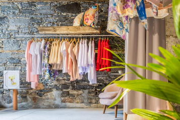 Mlle EartH vide son « dressing »