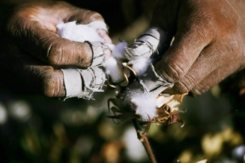 Répression des Ouïghours en Chine Du travail forcé dansvotret-shirt?)