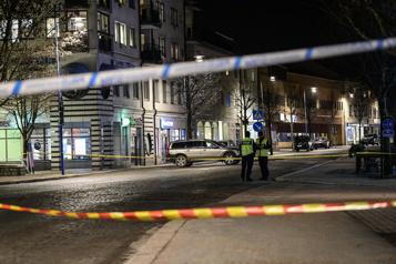 Attaque au couteau en Suède Le suspect placé en détention)