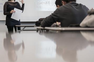 Québec présente une offre aux professeurs de cégep de la CSQ)