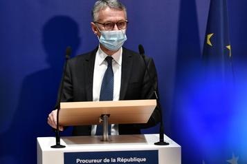 Attaque à Paris L'assaillant admet avoir menti sur son âge et son identité)