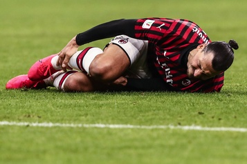 Ibrahimovic se blesse au mollet à l'entraînement)