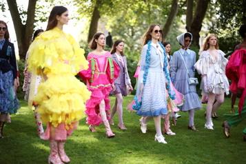 Retour tant attendu des défilés à la Fashion Week de Londres)