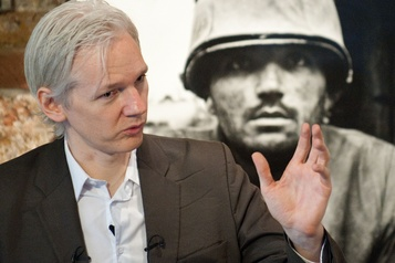Assange se plaint d'avoir des échanges pas assez privés avec sa défense