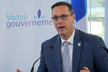 Québec allège les examens du ministère)