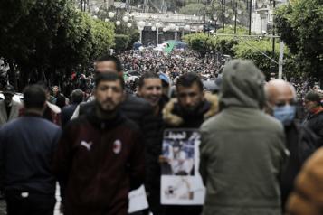 Mouvement antirégime Hirak Des manifestant à nouveau dans les rues d'Alger malgré les policiers)