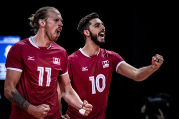 Italie Victoire écrasante des volleyeurs canadiens face aux Australiens)
