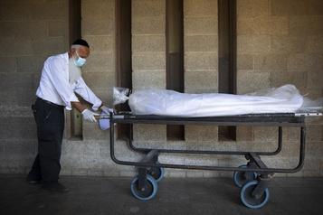 Bilan de la pandémie Près de 1,1?million de morts dans le monde)