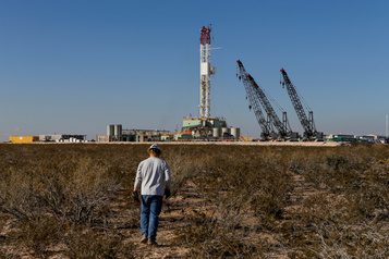 Le pétrole rechute après trois séances de hausse