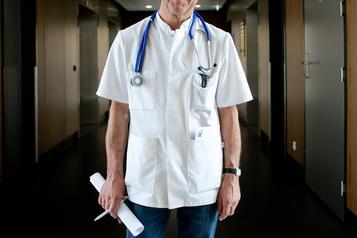 Québec dit non à des médecins qui s'unissent pour obtenir des changements)