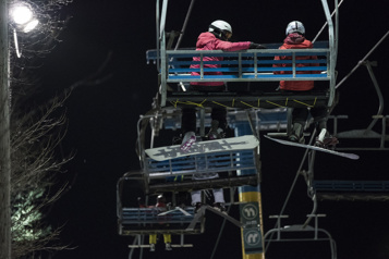 Zone orange: le ski de soirée allongé dans quelques stations)
