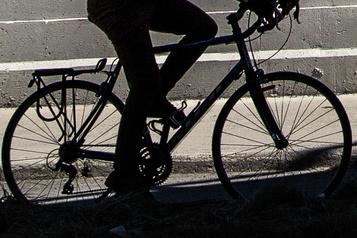 Un cycliste grièvement blessé à Rimouski