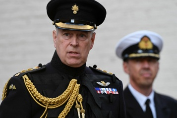 Le prince Andrew reconnaît être visé par une plainte pour agressions sexuelles)