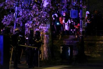 Affaire Breonna Taylor Nouvelle manifestation à Louisville en dépit du couvre-feu)