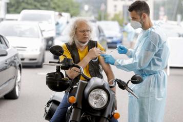 Vaccins ARN anti-COVID L'Allemagne recommande la troisième dose aux personnes âgées )